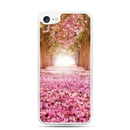 Etui na telefon iPhone 7 - spacer po parku