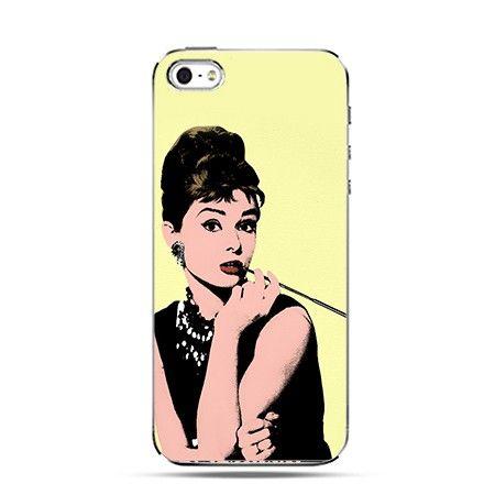 Etui Audrey Hepburn z papierosem